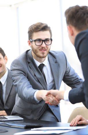 Como se destacar no mercado de trabalho e impulsionar sua carreira?